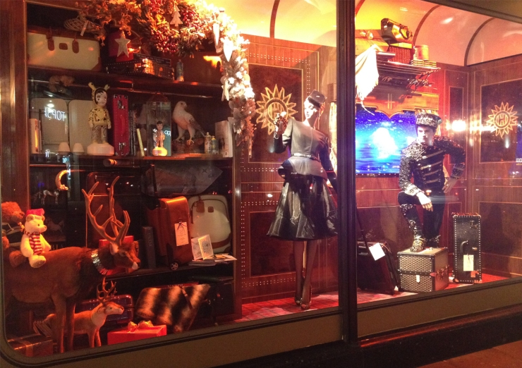 Harrods Holiday Window-ALL ABOARD