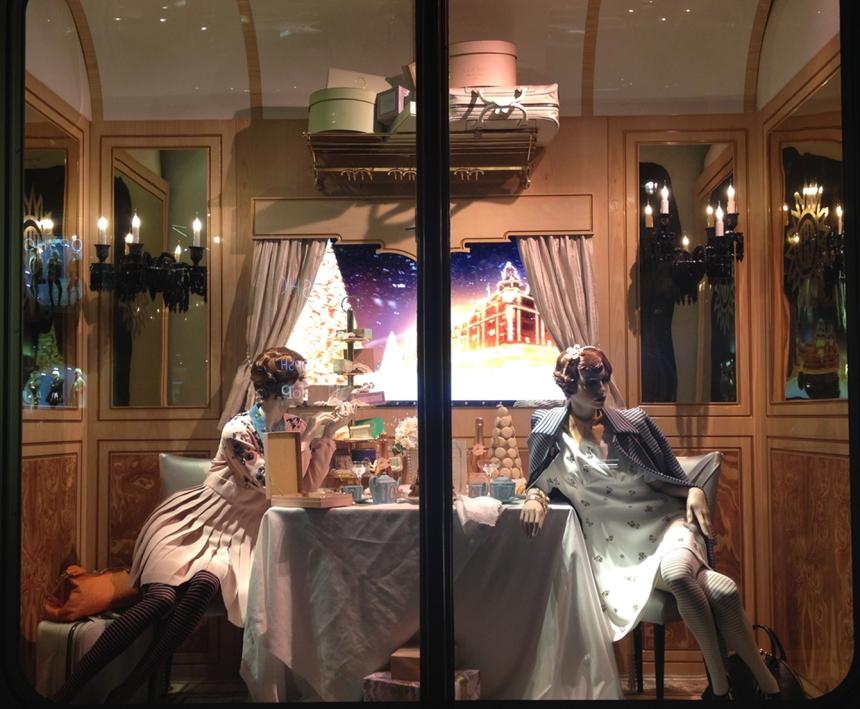 Harrods Holiday Window- The Gossiping Twins